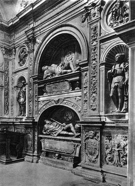 437px-sigismund_chapel_of_cracow_cathedral